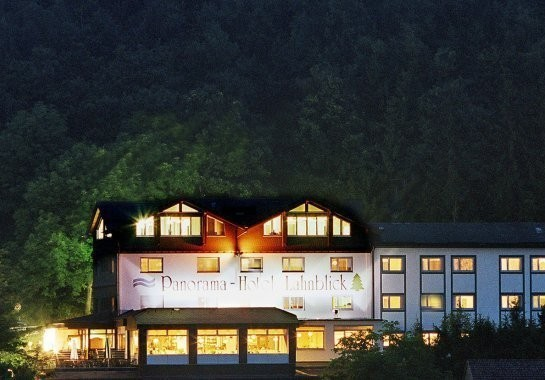 4 days vacation for two at the Hotel Lahnblick - Sauerland incl. hydro-jet massage